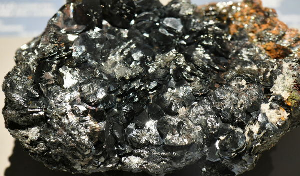 what-on-earth-is-hematite.png